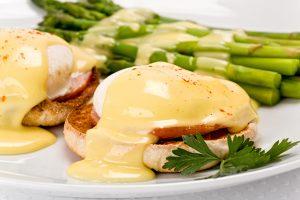 Hollandaise Sauce with Eggs