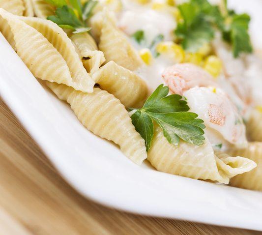 Alfredo pasta with shrimp