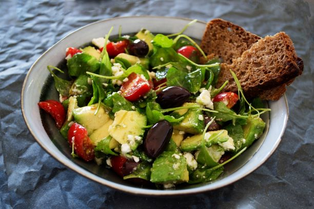 Vegetable Salad with Whole Wheat Bread